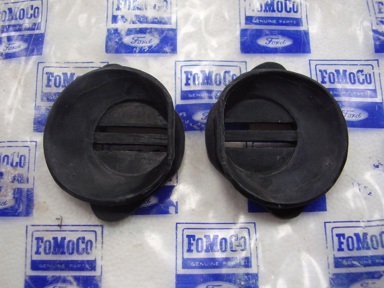 68 / 72 Door check strap rubber seals