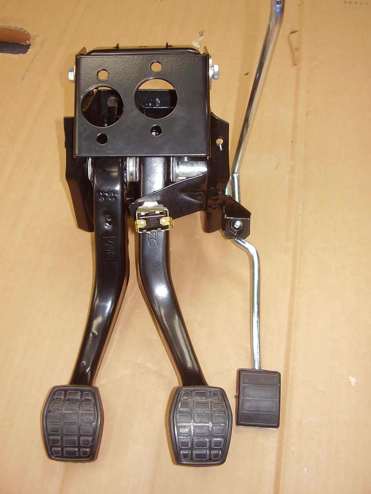 Twin Cam 1968 Only !! Pedal Box