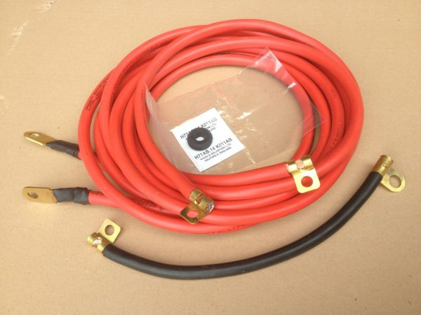 Red battery cables (battery in the boot)